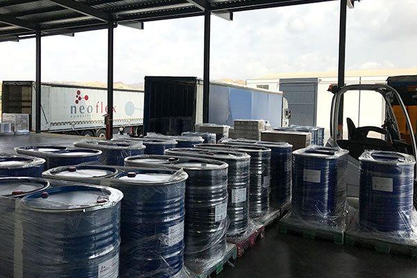 Muelle de carga de la fábrica Neoflex