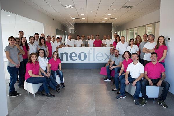 Equipo Neoflex en sus oficinas